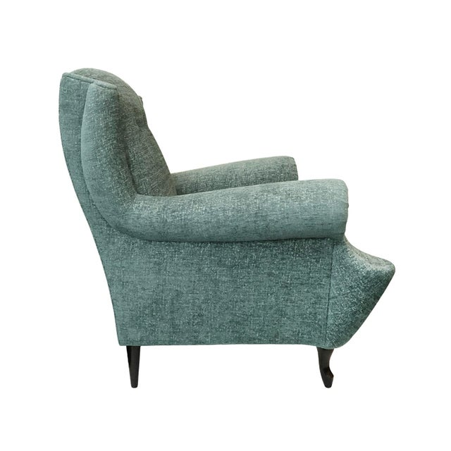 Traditional 1950s Vintage Button Back Lounge Chair For Sale - Image 3 of 5