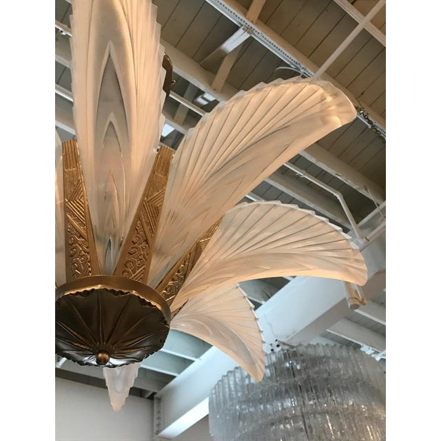 """Bronze French Art Deco """"Feather"""" Chandelier For Sale - Image 7 of 13"""