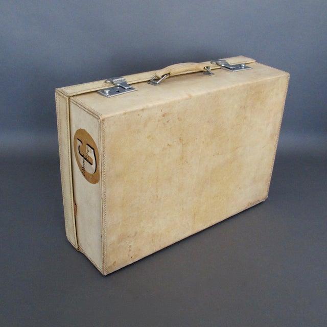English Traditional Antique 1920 Cream Vellum Suitcase For Sale - Image 3 of 11