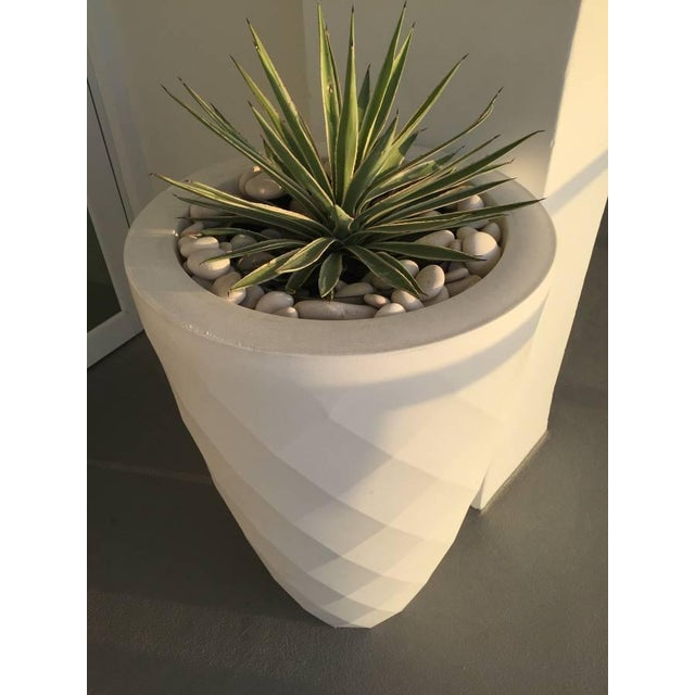 Vondom White Faceted Planter - Image 3 of 3