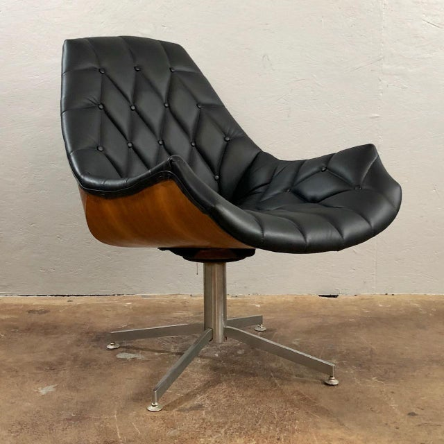 Terrific Mid Century Modern Leather And Walnut Lounge Chair Machost Co Dining Chair Design Ideas Machostcouk