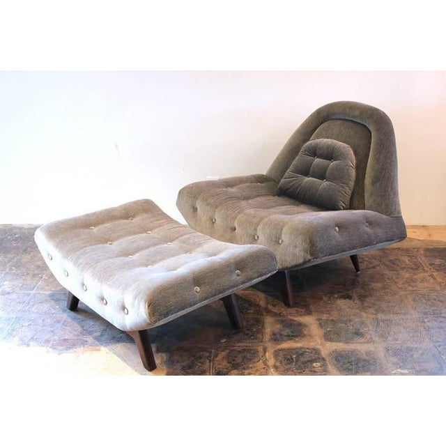 Mid-Century Modern Tufted Gondola Chair and Ottoman by Adrian Pearsall For Sale - Image 3 of 3