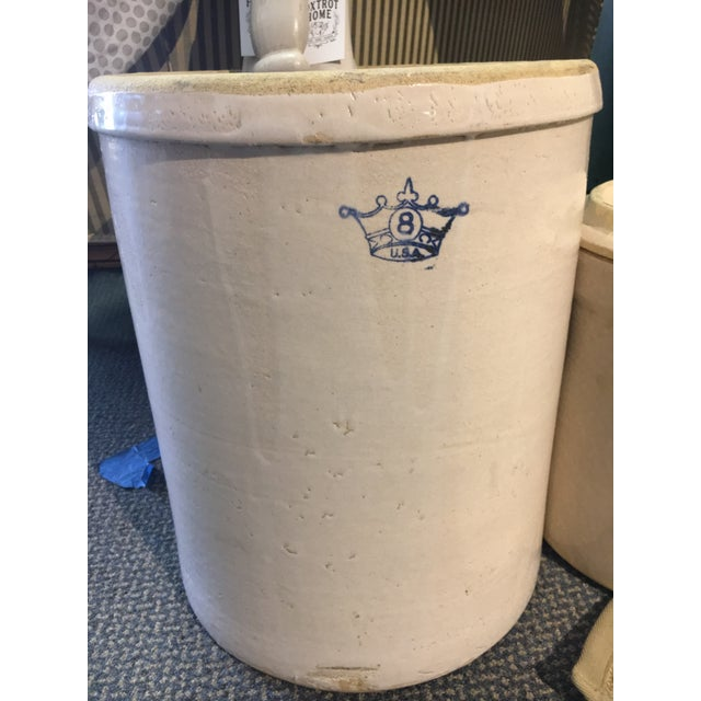 Early American Vintage 8 Gallon Robinson Stoneware Crock For Sale - Image 3 of 3