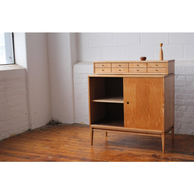 Planner Group Restored 1950s Mid-Century Modern Paul McCobb Planner Group Mini Credenza Cabinet For Sale - Image 4 of 13