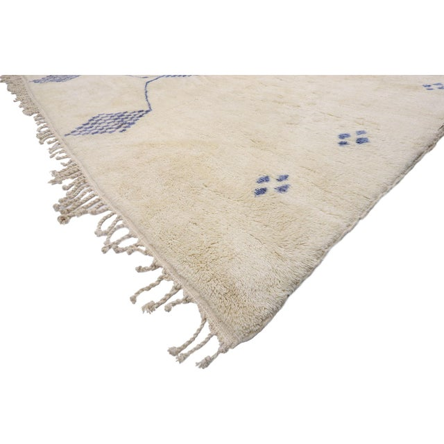 21087 Contemporary Oversized Moroccan Rug with Cozy Bohemian Style and Hygge Vibes 16'10 x 19'00. With its simplicity,...