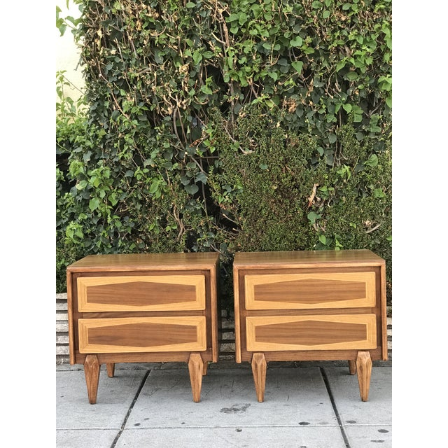 Pair of Mid Century Modern Nightstands by American of Martinsville For Sale - Image 11 of 12