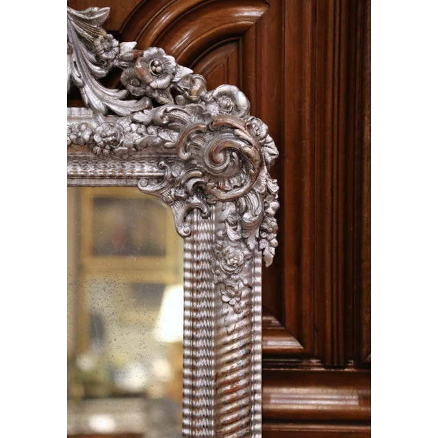 Mid-19th Century French Louis XV Hand Carved Silvered Wall Mirror For Sale In Dallas - Image 6 of 11