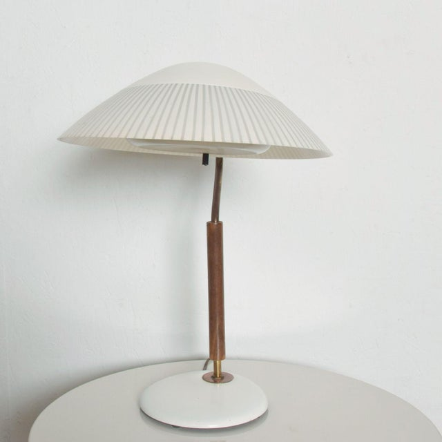 1950s Modern Mid-Century Clamshell Table Desk Lamp by Gerald Thurston for Lightolier 1950s For Sale - Image 5 of 9