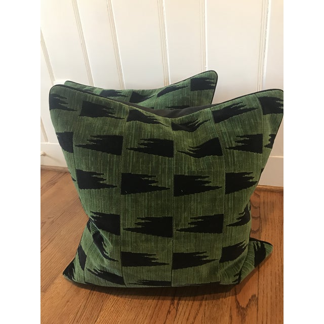 Schumacher Tutsi Green Pillows - A Pair For Sale In Raleigh - Image 6 of 7