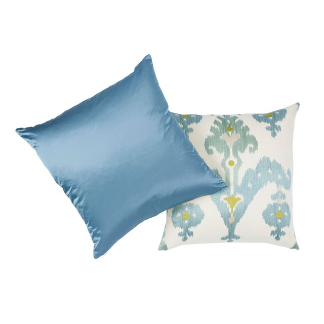 Contemporary Schumacher Raja Embroidery Pillow in Sky For Sale - Image 3 of 6