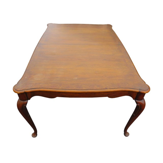 """Baker Furniture Company Vintage Baker Furniture Co """"Collector's Choice"""" Queen Anne Dining Table With Leaves For Sale - Image 4 of 11"""