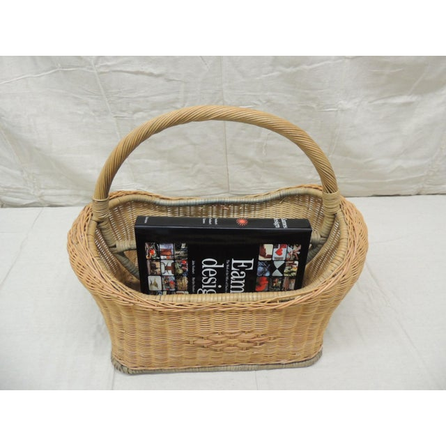 1980s Vintage Wicker Magazine Rack With Handles For Sale - Image 5 of 6