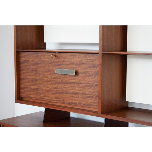 Gio Ponti for Singer & Sons Model 4120 Walnut Display Cabinet - Image 4 of 11