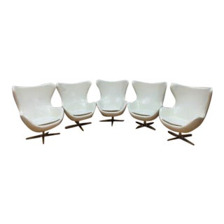 Mid Century Modern Arne Jacobsen Style Egg Chairs - Set of 5 For Sale