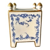 Image of 1980s English Blue and White With Gold Trim Planter For Sale