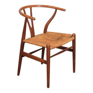 Hans J. Wegner CH-24 Wishbone Chair