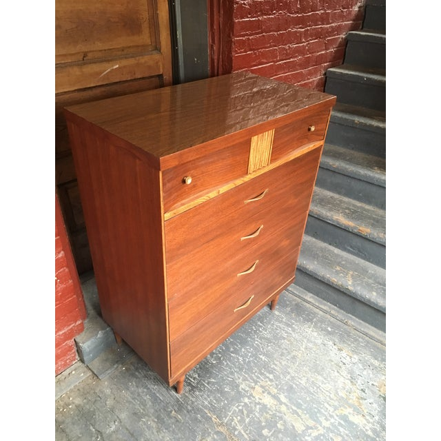 Mid-Century Modern 1960s Mid Century Modern Bassett Furniture Highboy Dresser For Sale - Image 3 of 8