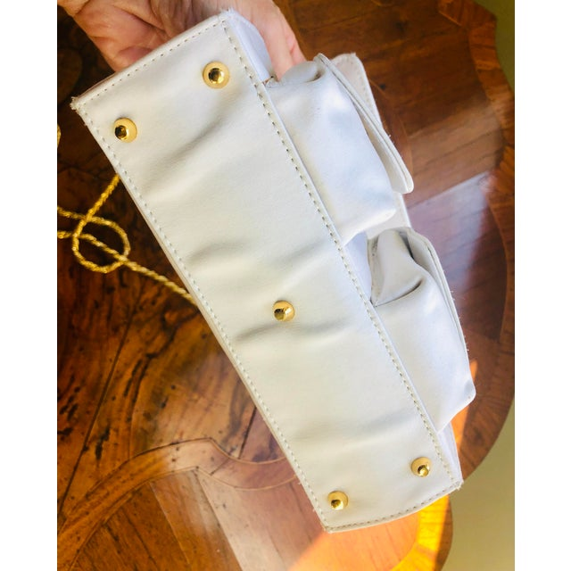 1980s Gianni Versace White Silk Medusa Purse With Gold Chain For Sale - Image 12 of 13