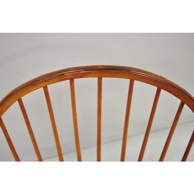 Antique d.r. Dimes Wooden Windsor Bow Back Continuous Arm Dining Chair (B) For Sale In Philadelphia - Image 6 of 13