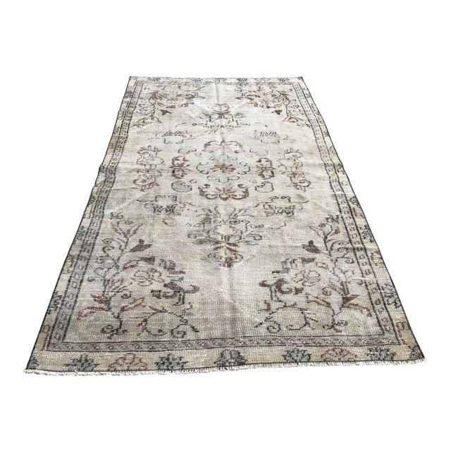 1960s Vintage Turkish Handmade Carpet - 4′7″ × 8′4″ For Sale