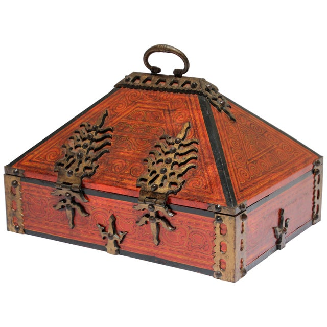 Large Decorative Indian Jewelry Box With Brass, Kerala Nettur Petti For Sale - Image 13 of 13