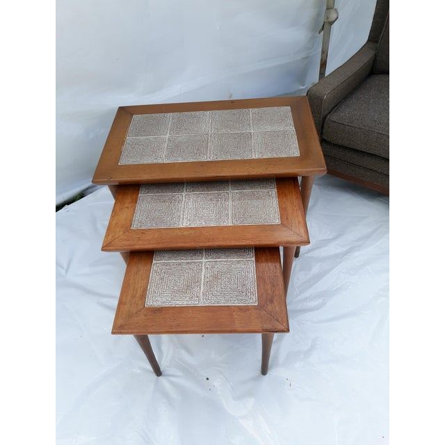 1950s Danish Modern Mahogany and Tile Set of 3 Nesting Tables For Sale - Image 5 of 10