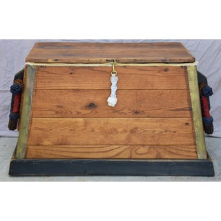Seaman's Trunk Chest W/ Braided Rope Handles Preview