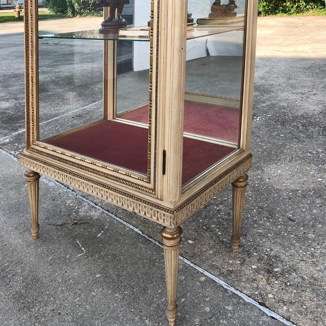 19th Century Italian Louis XVI Painted Vitrine For Sale - Image 11 of 12