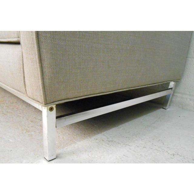 Gray Mid-Century Modern Florence Knoll Style Sofa For Sale - Image 8 of 10