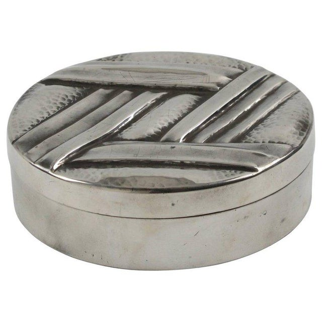 French Designer L. Guilbaud Art Deco 1930s Dinanderie Pewter Box For Sale In Atlanta - Image 6 of 6