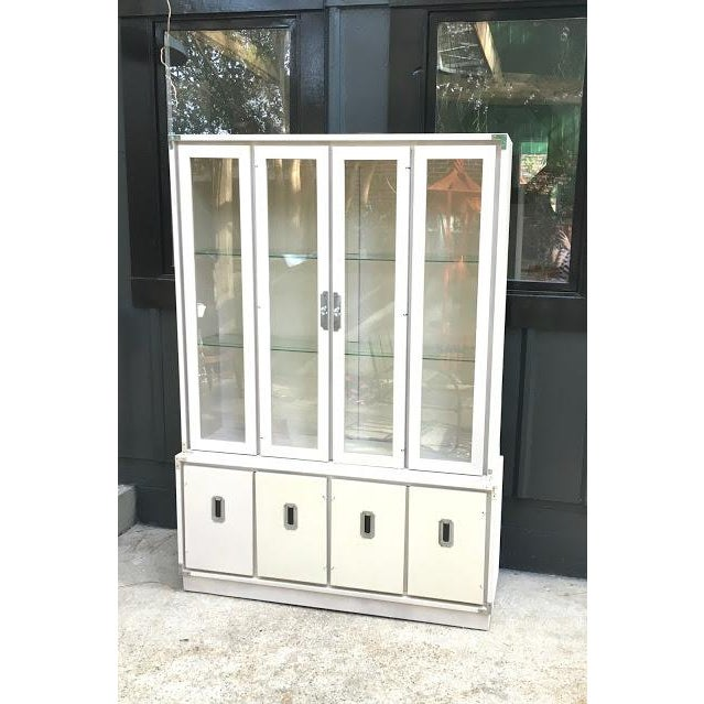 Campaign 1970s Vintage Bernhardt Ivory Campaign China Cabinet For Sale - Image 3 of 8