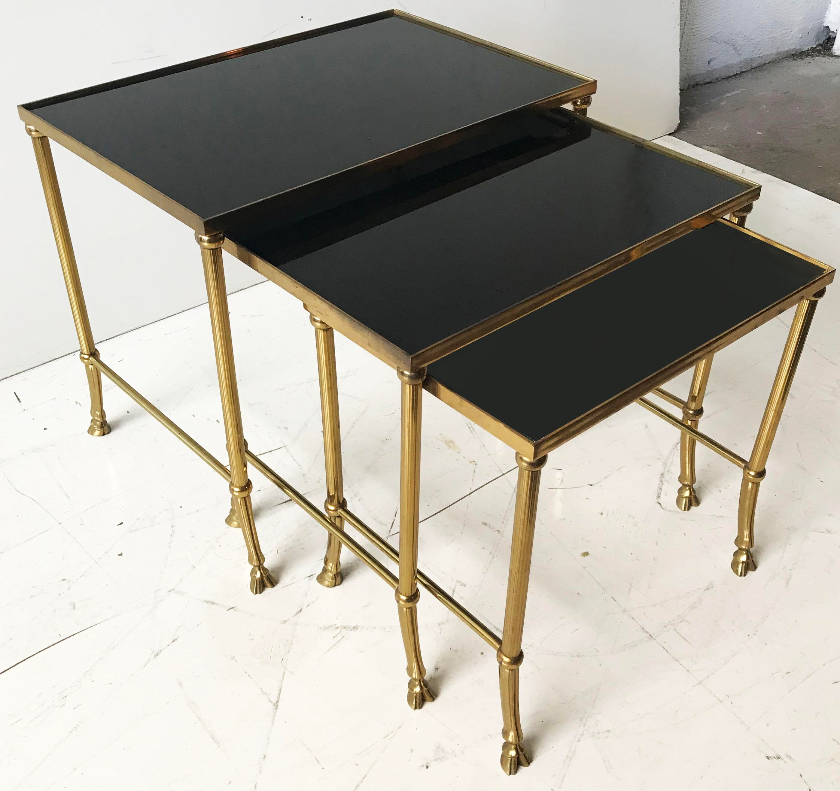 1970s Vintage Set Of Bronze Nesting Tables By Maison Jansen For Sale    Image 5 Of