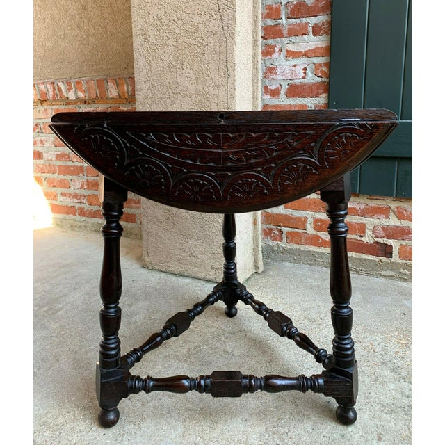 Antique English Carved Oak Envelope Handkerchief Drop Leaf Round Table Corner For Sale In Dallas - Image 6 of 13