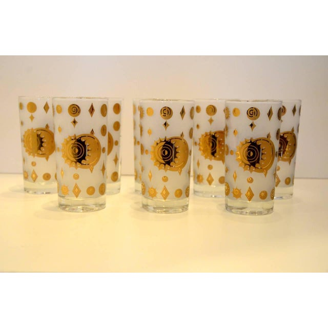 Eight Vintage Fred Press White and Gold Celestial Pattern Tom Collins Glasses - Image 4 of 8