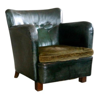 Danish 1930s Fritz Hansen Style Club Chair in Tufted Green Patinated Leather For Sale