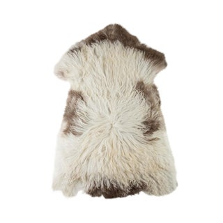 "Contemporary Hand-Tanned Sheepskin Pelt Rug - 2'5""x3'8"" For Sale"