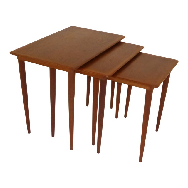 Danish Mid-Century Modern Stacking Nesting Tables in Teak - Set of 3 1950s For Sale