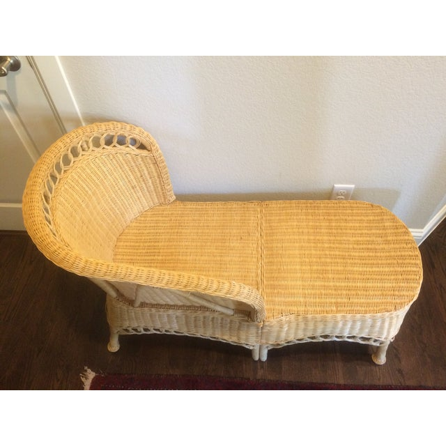 Vintage Wicker Chaise Lounge - Image 9 of 9