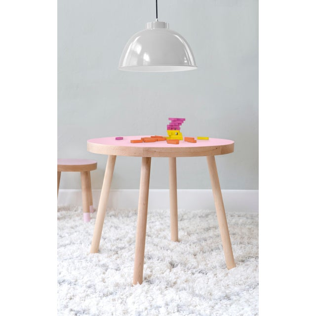 """Contemporary Poco Large Round 30"""" Kids Table in Maple With Pink Finish Accent For Sale - Image 3 of 4"""