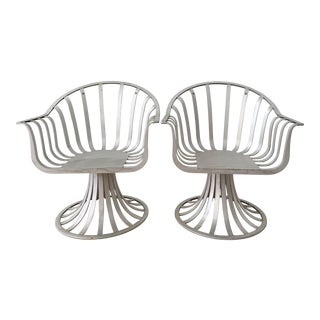 Mid-Century Russell Woodard Slat Extruded Aluminum Tulip Chairs - a Pair For Sale