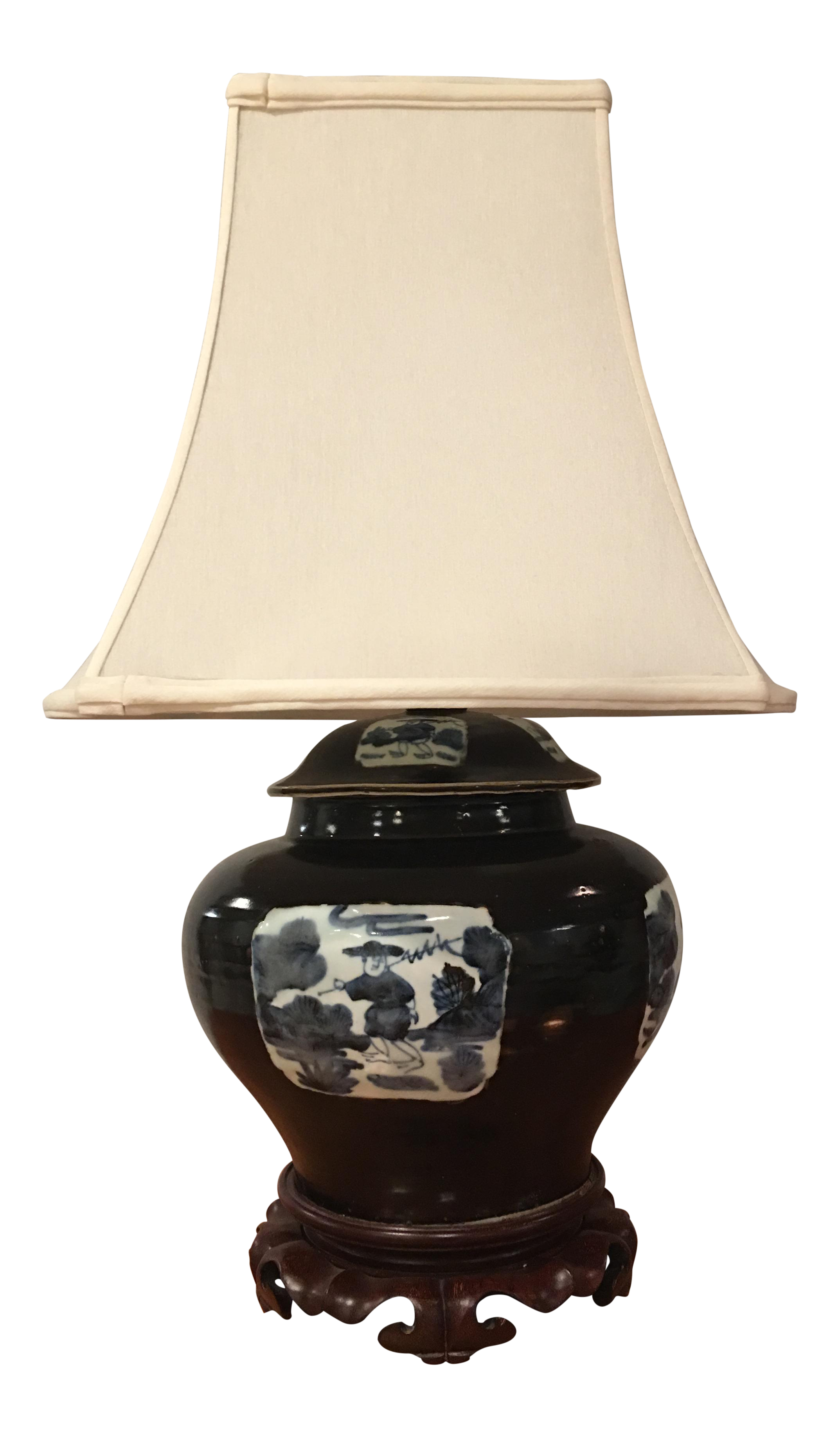 Attirant Asian Style Ceramic Table Lamp For Sale
