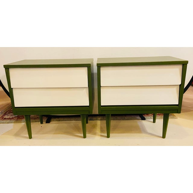 Mid Century Modern Two Tone Nightstands - a Pair For Sale In New York - Image 6 of 13
