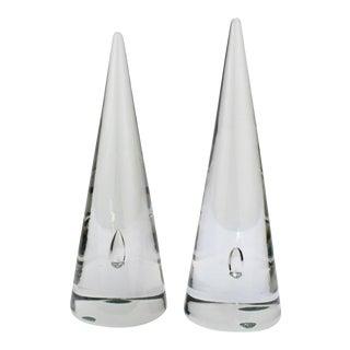 Near Alfredo Barbini Murano Glass Cones / Obelisks with Captured Bubbles - A Pair For Sale
