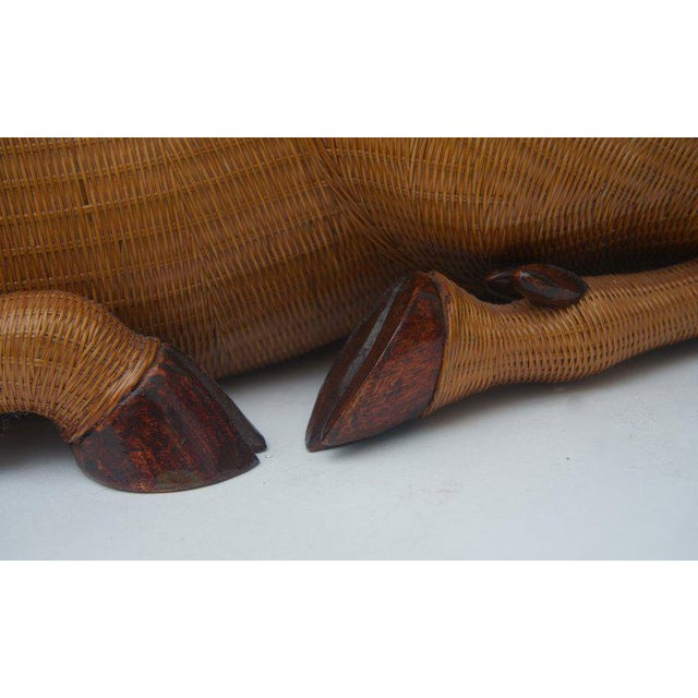 Brown Vintage Mid-Century Handwoven Straw Ram Figure Box For Sale - Image 8 of 13