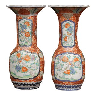 Important Pair of 19th Century Japanese Porcelain Imari Vases With Bird Decor For Sale