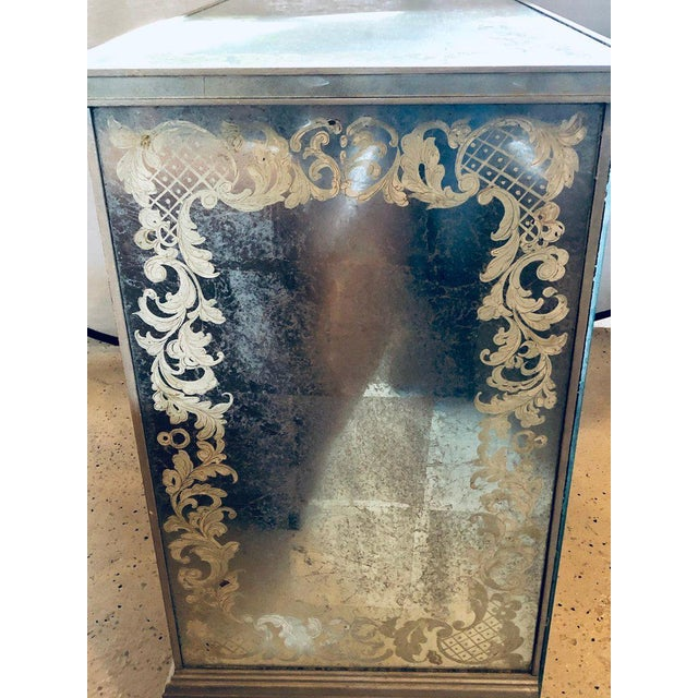White Art Deco Era Mirrored Reversed Paint Decorated Églomisé Desk or Vanity For Sale - Image 8 of 13