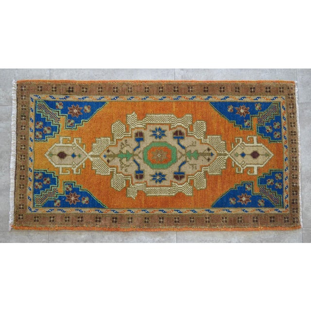 "Front of Kitchen Sink Rug Hand Made Bath Mat Faded Mini Rugs 1'11"" X 3'8"" For Sale - Image 4 of 4"