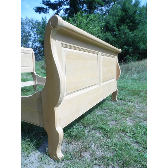 Vintage Ethan Allen Country French Bisque Birch Full Double Sleigh Bed - Image 5 of 11