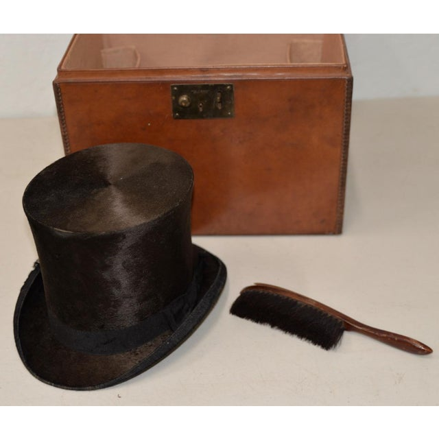 Leather 1800s Dunlap & Co. Top Hat & Leather Hat Box by Collins & Fairbanks Co. For Sale - Image 7 of 10