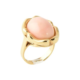 1970s Traditional 14k Gold & Angel Skin Coral Ring For Sale